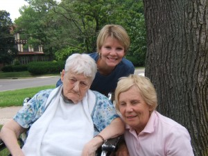 Elinor, Amy, and Sandra, July, 2008